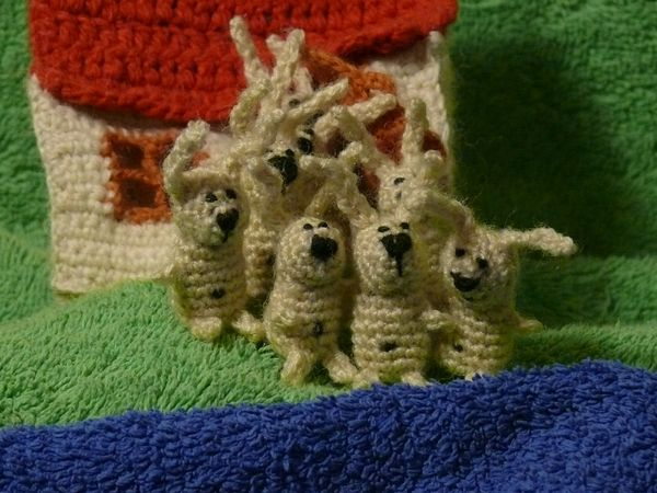 Russian knitted hares 7