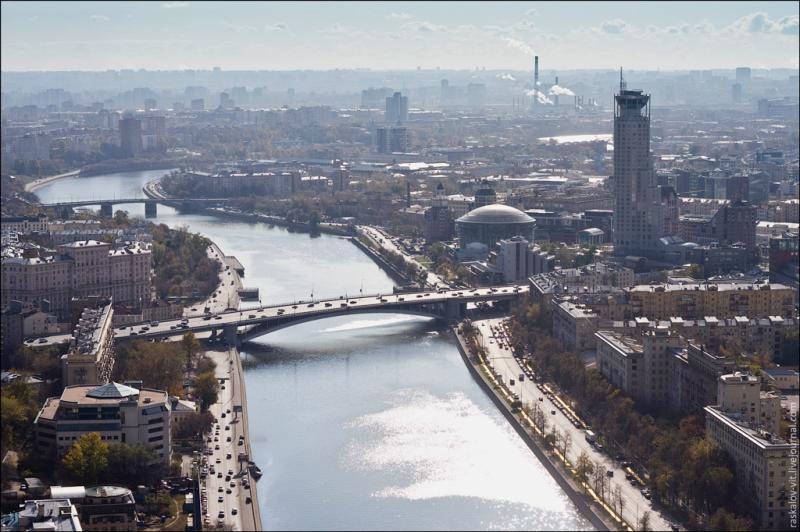 Kotelnicheskaya Embankment 23