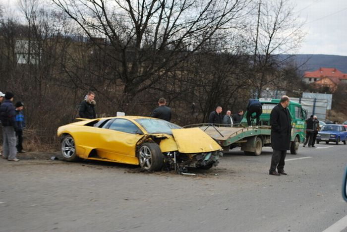 Russian Lamborghini Crash 4