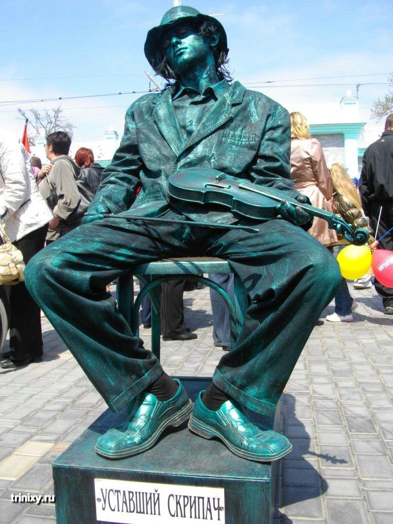 Russian Live Statues 3