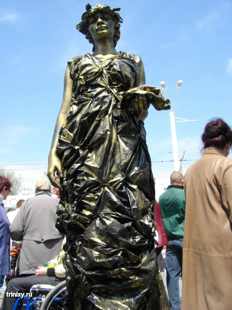 Russian Live Statues 5