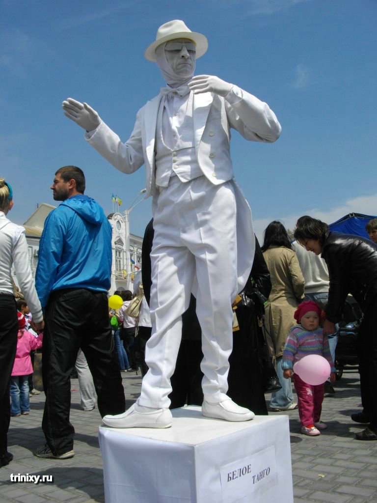 Russian Live Statues 7