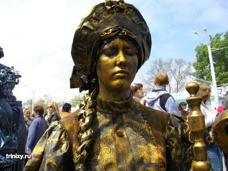 Russian Live Statues 10