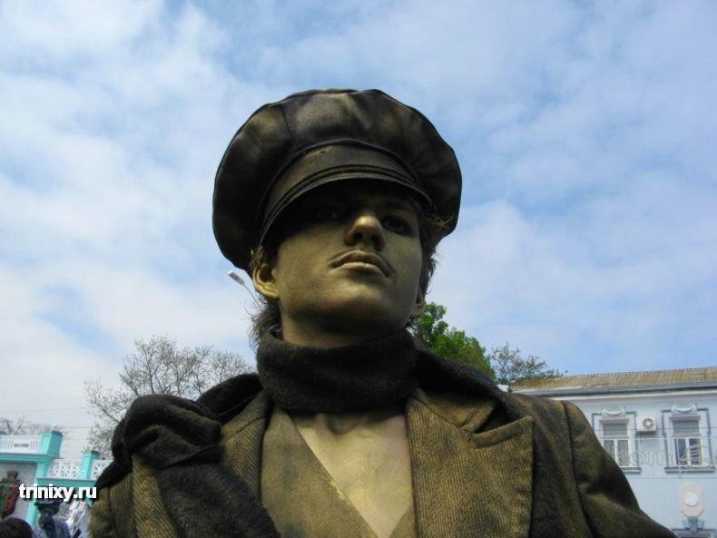 Russian Live Statues 15