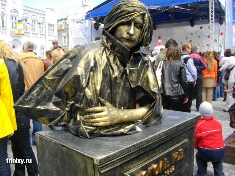 Russian Live Statues 19