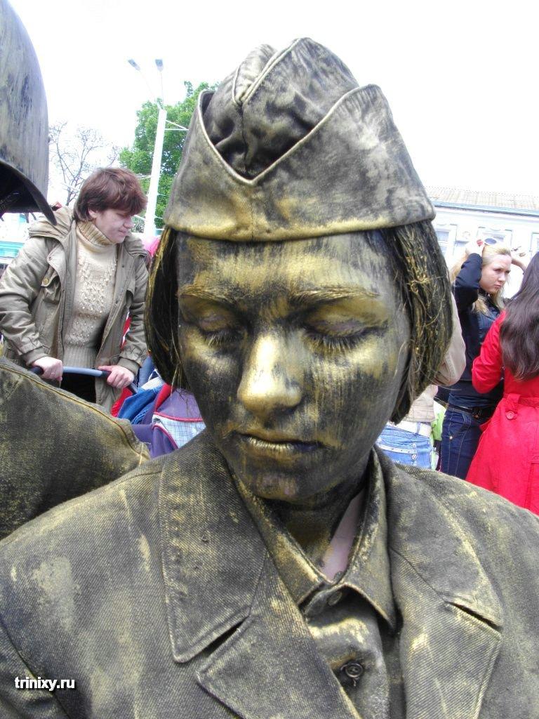 Russian Live Statues 30