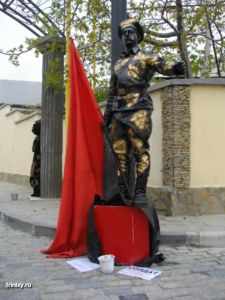Russian Live Statues 36