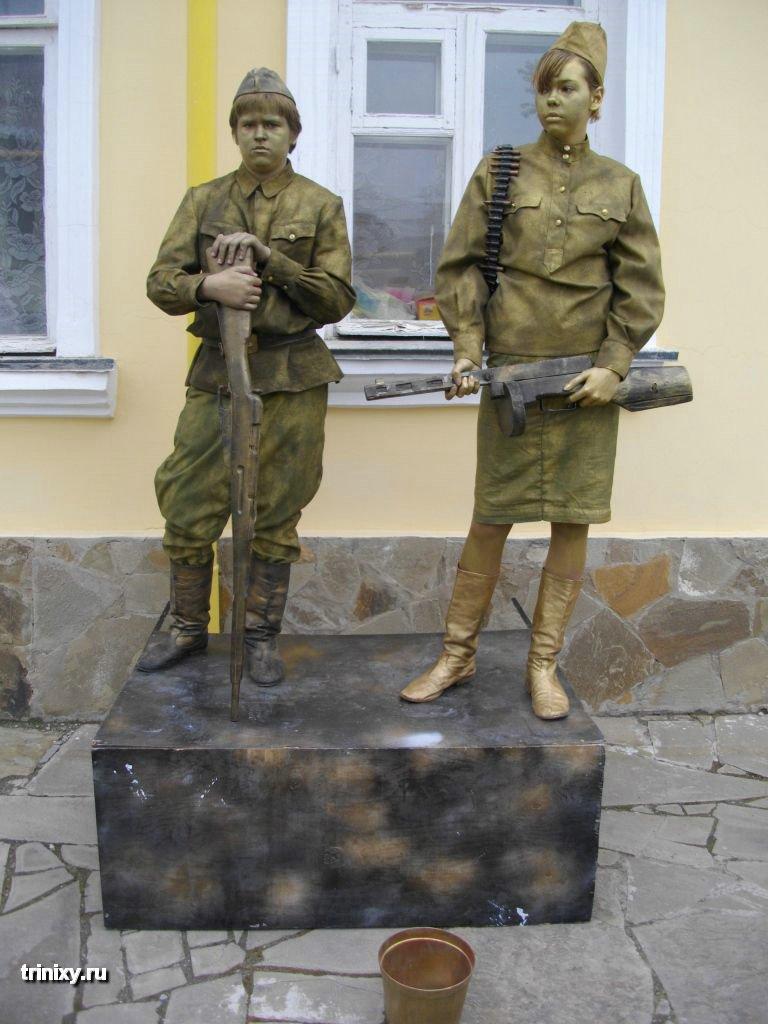 Russian Live Statues 38