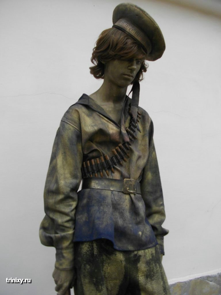 Russian Live Statues 46
