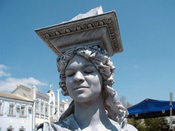 Living Statues Championship In Yevpatoriya 9
