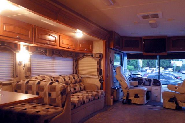 Luxurious Bus 7