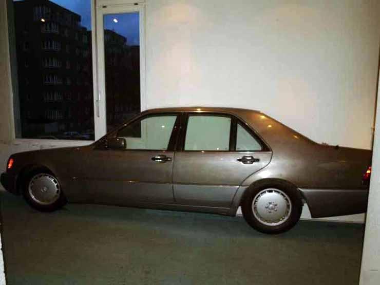 Mercedes in the flat in Russia 4