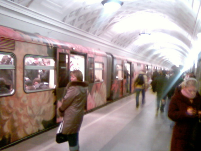 subway train in Moscow looking like museum 1
