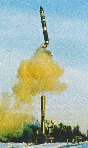 اطلاق الصواريخ من القطارات. 9