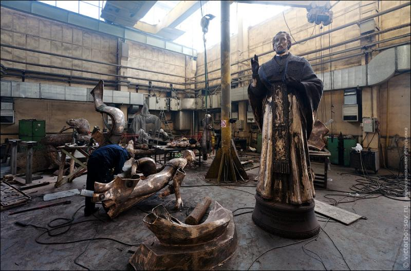 Monuments and Sculptures Manufacture 24