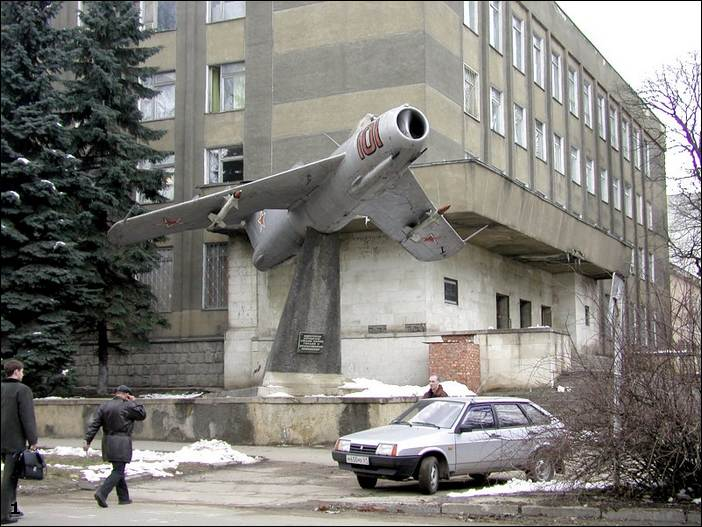 monuments of russian aviation 4