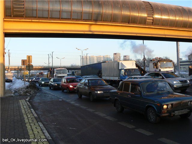 Russian traffic in Moscow 4