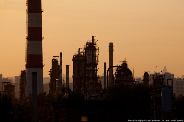 Refinery in Moscow 39