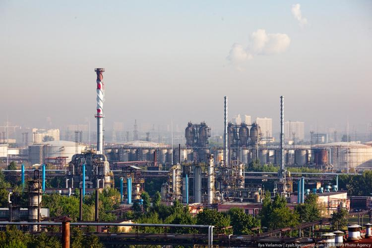 Refinery in Moscow 40