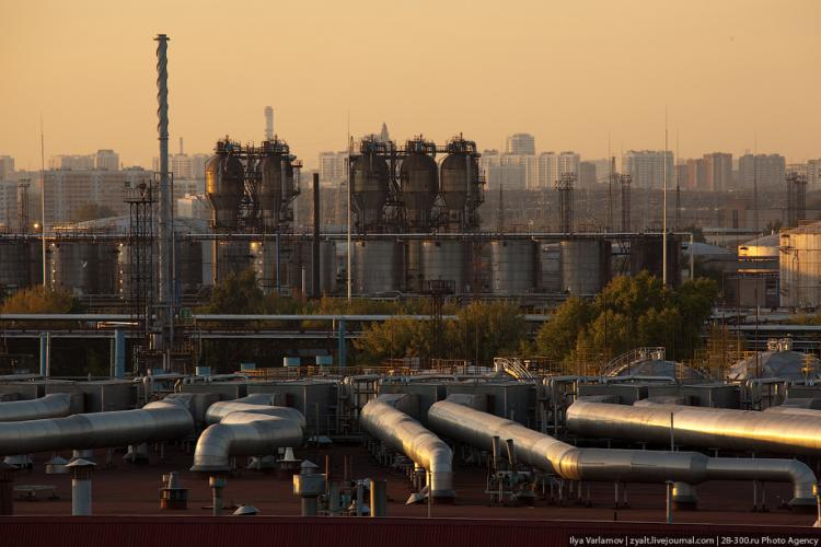 Refinery in Moscow 43