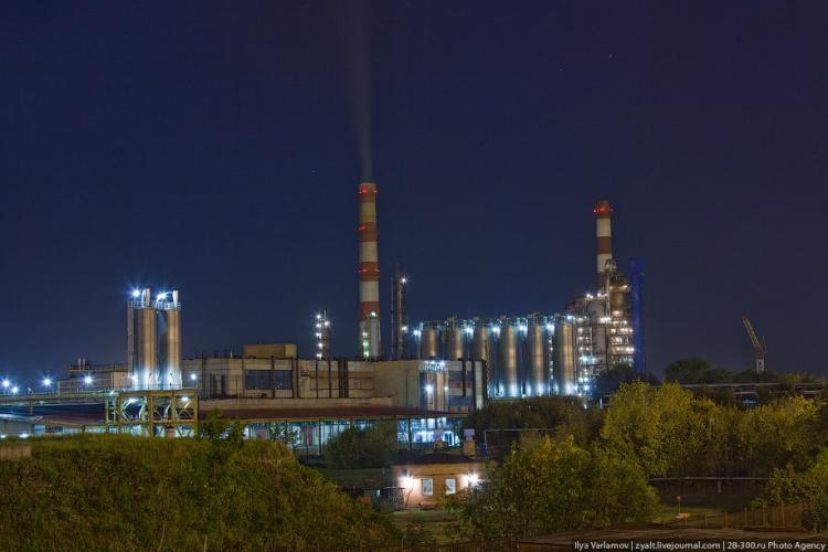 Refinery in Moscow 85