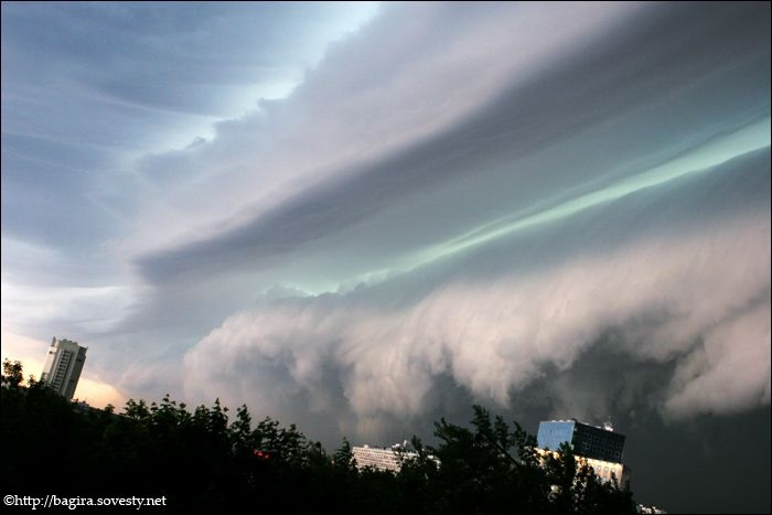 a storm cloud in Moscow 2