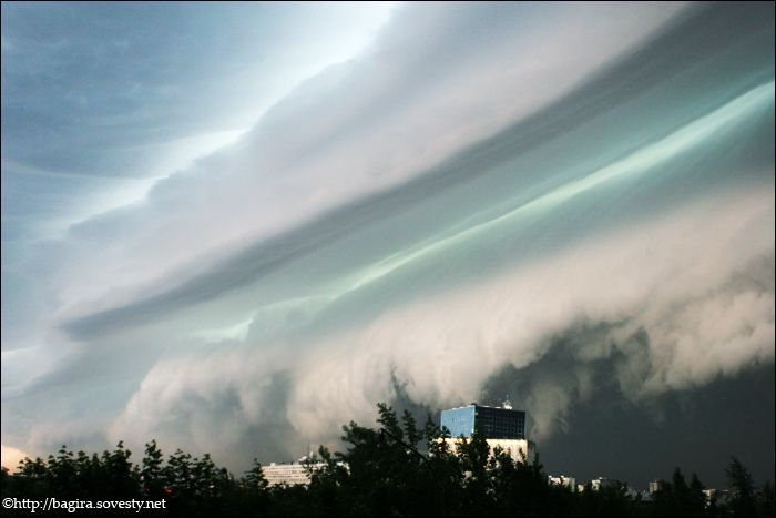 a storm cloud in Moscow 4