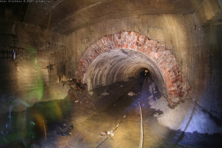 tunnels under Moscow in HDR 11