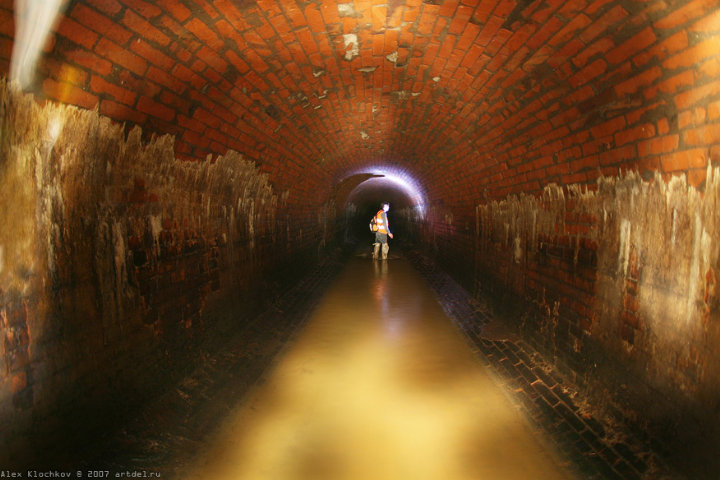 tunnels under Moscow in HDR 3
