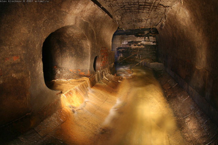 tunnels under Moscow in HDR 7