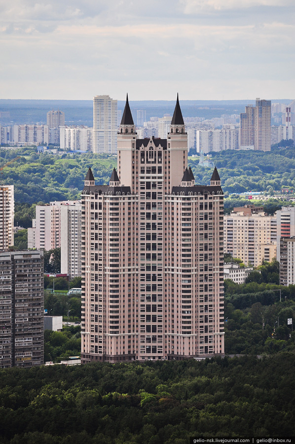 Moscow\'s Outskirts And Their Residential Compounds 11
