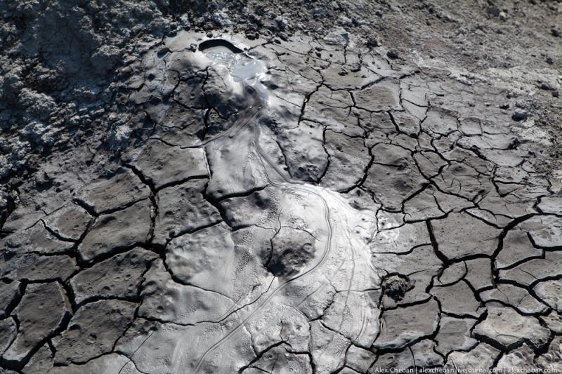 Mud Volcanoes Azerbaijann  10