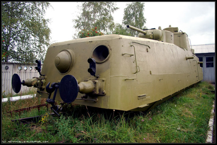 photos from Military-historical museum of  armored vehicles and armament of Main auto-tank directorate of Defense ministry of Russian Federation 25