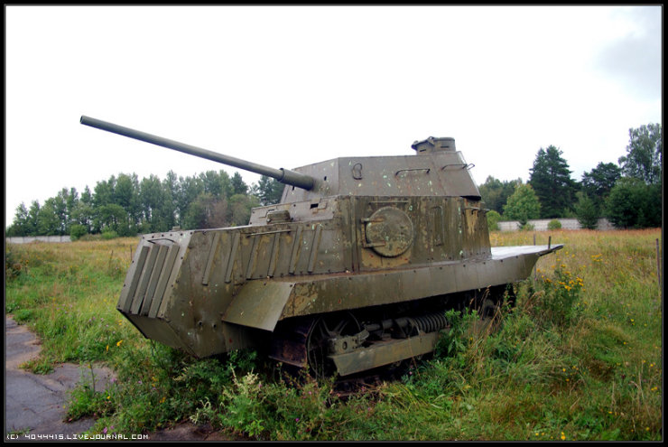 photos from Military-historical museum of  armored vehicles and armament of Main auto-tank directorate of Defense ministry of Russian Federation 31