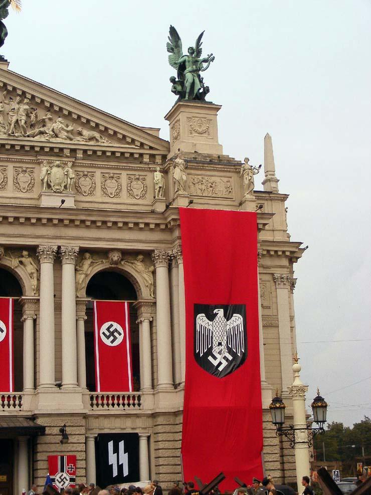 Nazi Flags in Kharkov 10