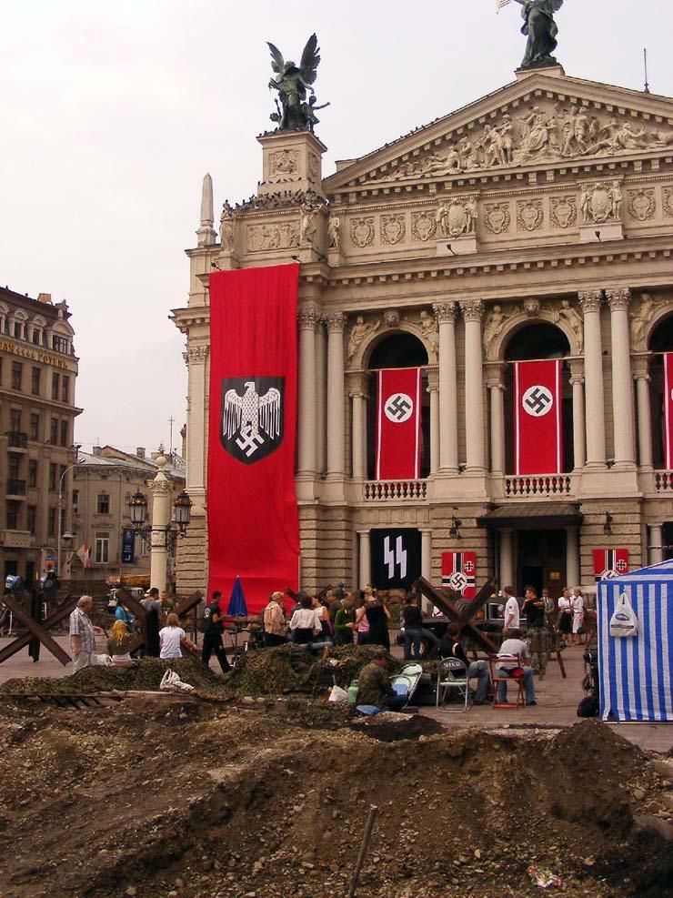 Nazi Flags in Kharkov 11