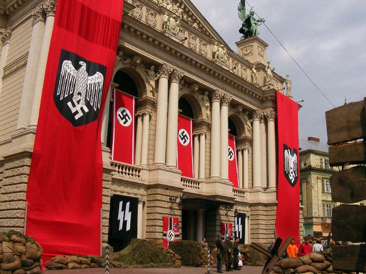 Nazi Flags in Kharkov 31