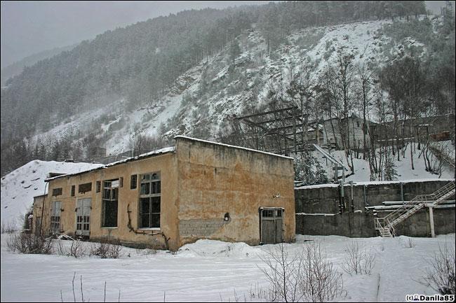 Baksan Neutrino Lab and Telescope 4