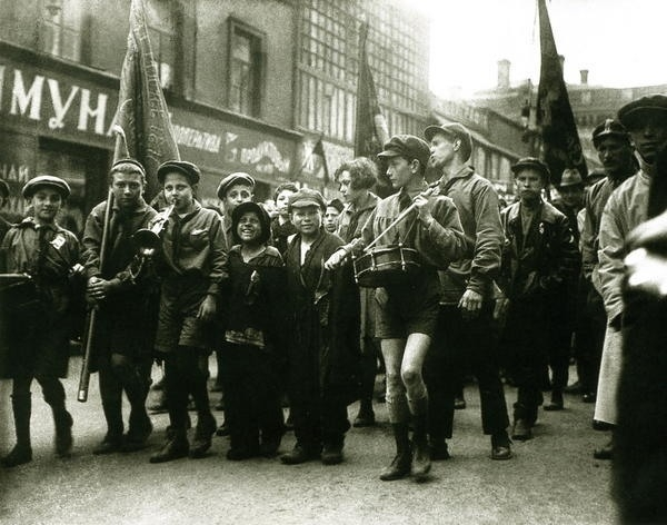 Bienestar de los niños Sovieticos ( época de Stalin ) 0_47e04_1ef9fa91_XL