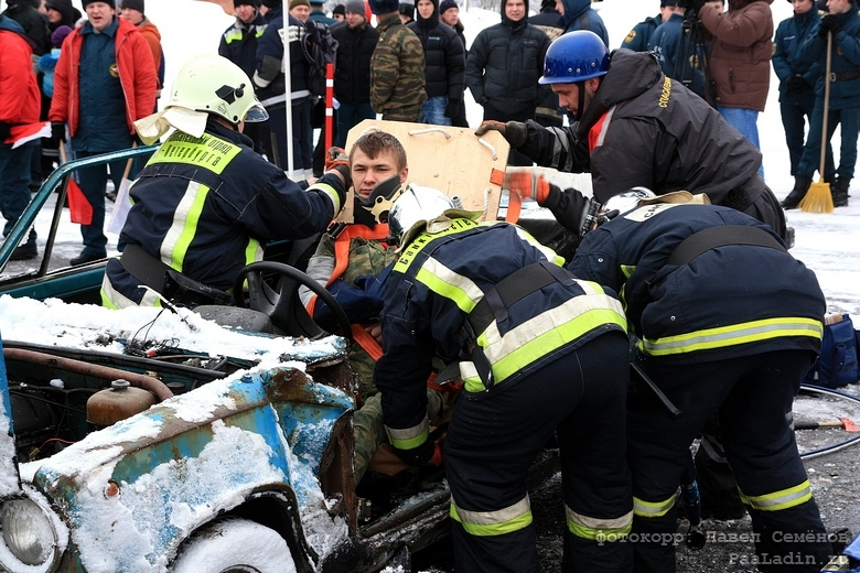 Russian Rescuers In Action