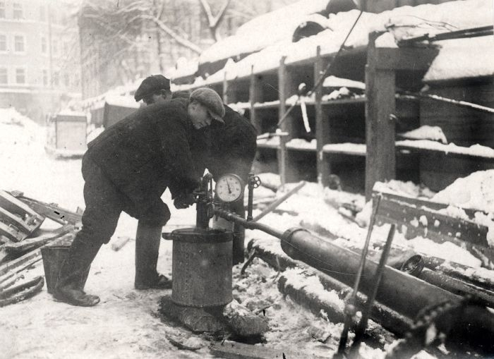 Construction of The First Moscow Underground Line