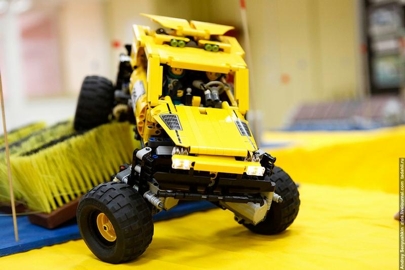 LEGO-Jeeping