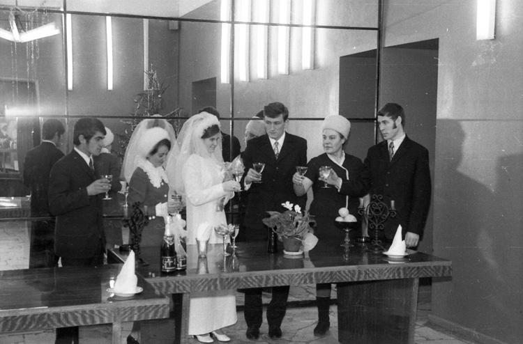 Serious Bride, Serious Groom, Serious Wedding