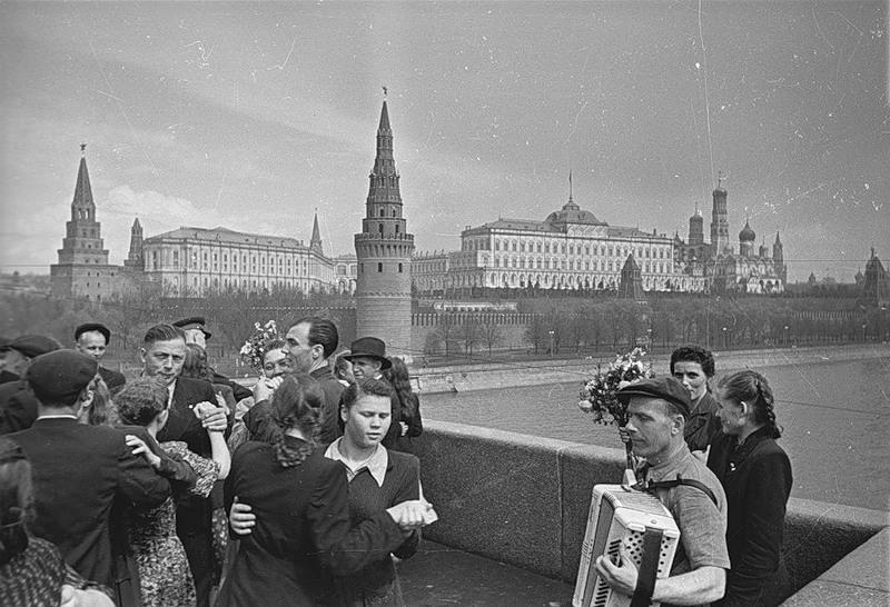 பழங்காலத்து moscow - Page 3 Sovietmoscow1-71