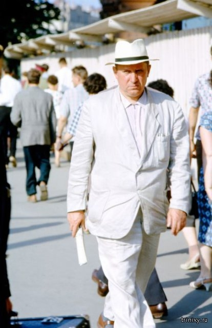 Colored photos of Soviet people 1957-1964