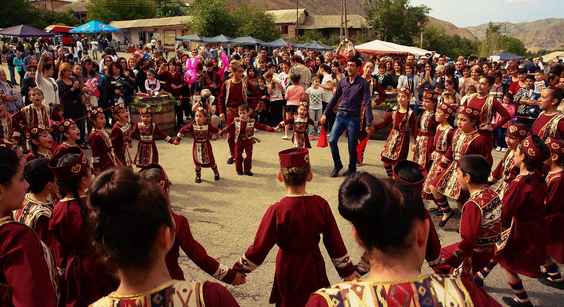 celebrating armenian wine areni festival holidays lot date english russia says he englishrussia start