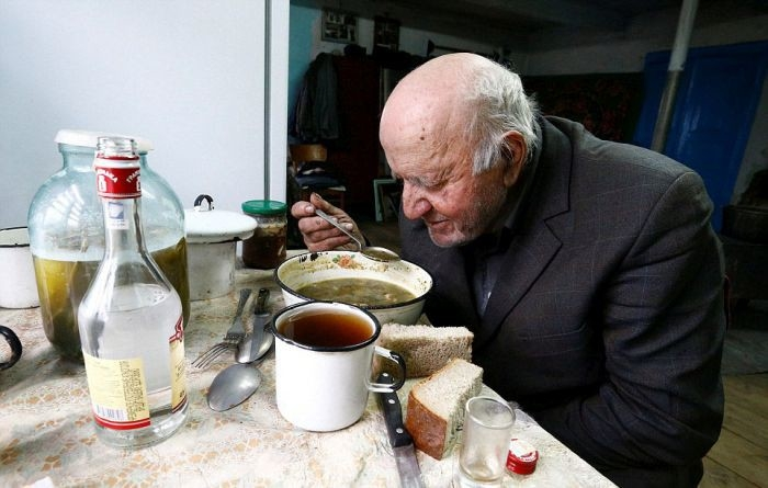Belarus man lives in Chernobyl exclusion zone