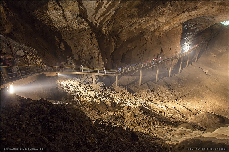 Novoafonskaia Cave: The Only Cave that Got a Metro Line in It