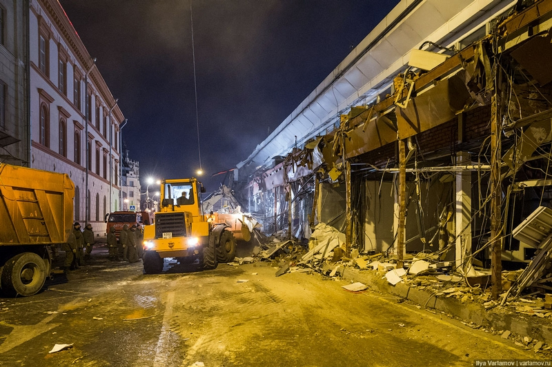 Night of Demolition in Moscow: Over One Hundred Shops Destroyed Overnight!