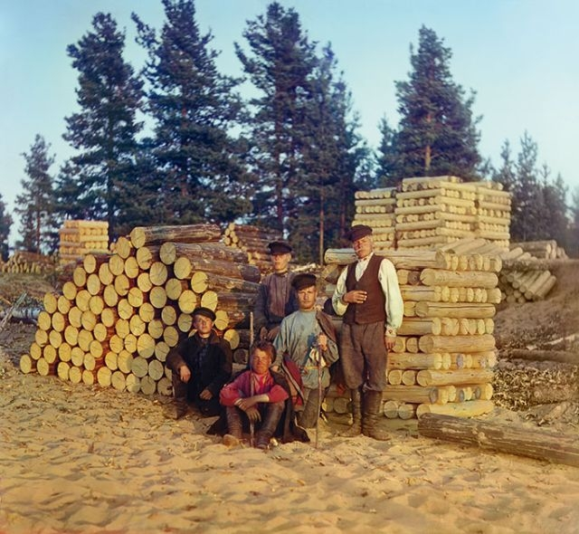 Psychedelic early color photos show a very sober Russian Empire Russian empire color photos